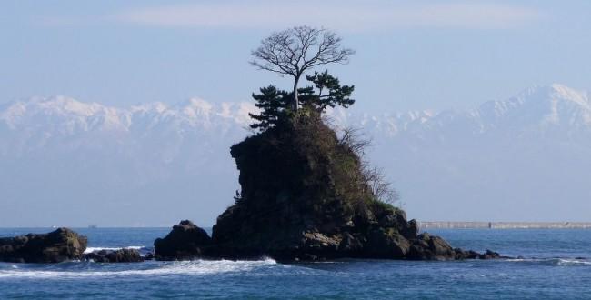 富山県 雨晴海岸